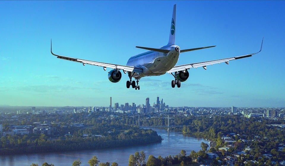 aircraft-3702676_960_720-min